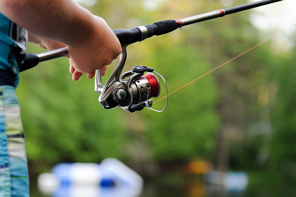 Best Fishing Leader Lines, Fluorocarbon vs. Monofilament